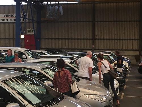 Vehicules exposés avant la vente aux enchères