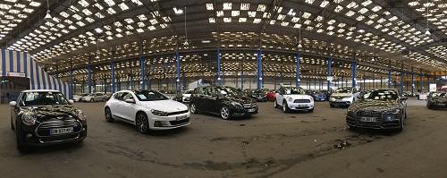 Présentation des autos avant la vente aux enchères