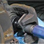 Utilisation du repousse piston de frein