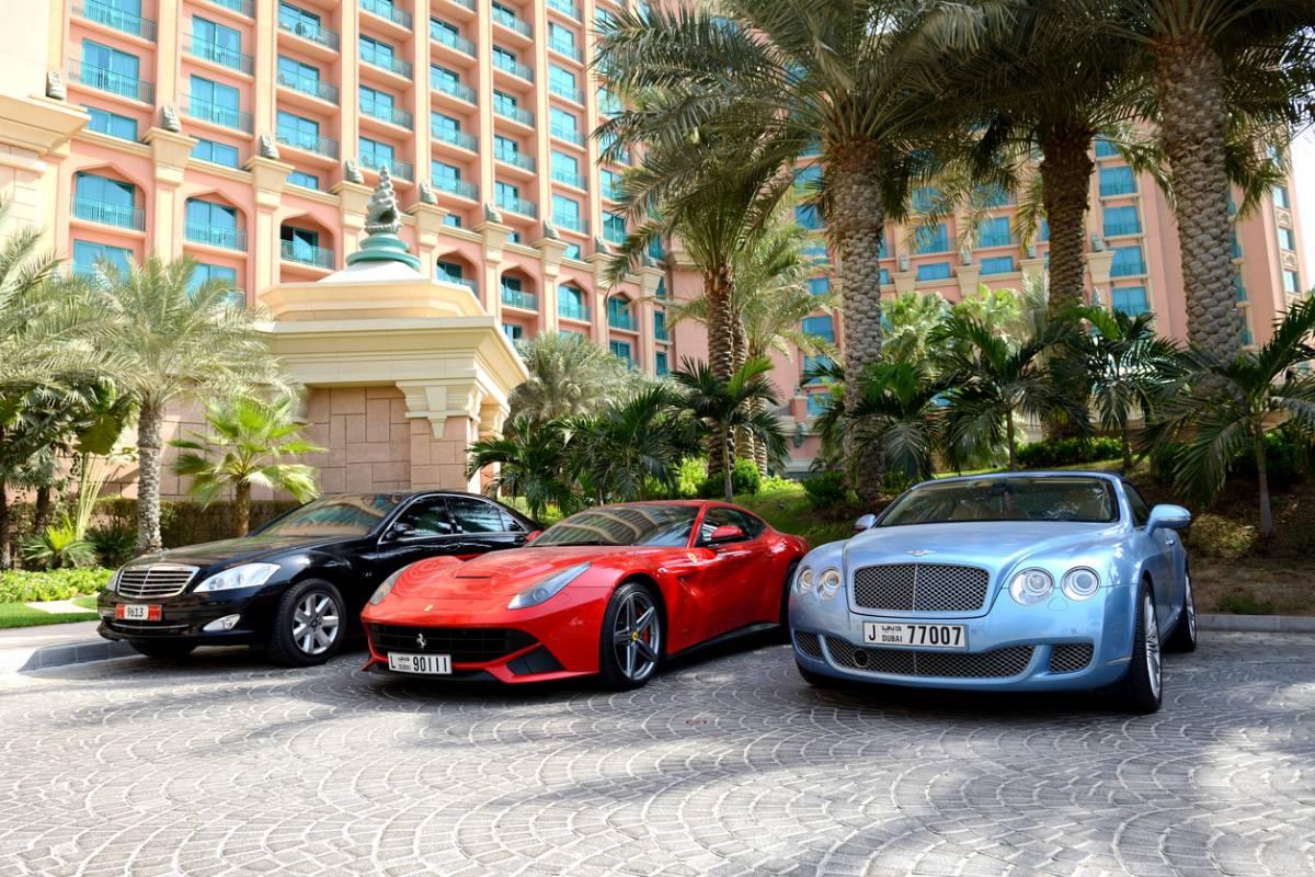 Voitures de luxe d'occasion